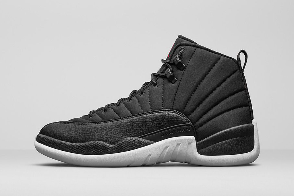 jordan retro 12 black and white